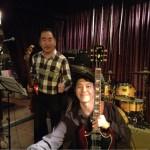 ベースは栗原さん、ギターは久保さん。